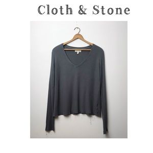 Cloth & Stone cropped thermal v neck long sleeve M